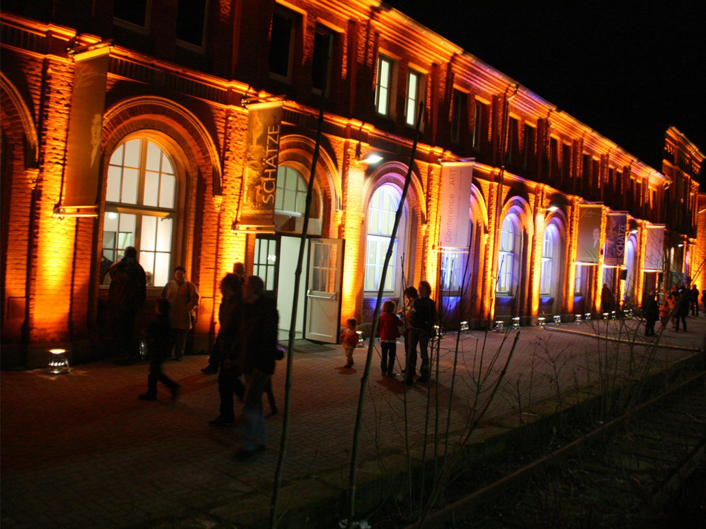Der Kulturbahnhof bei Nacht